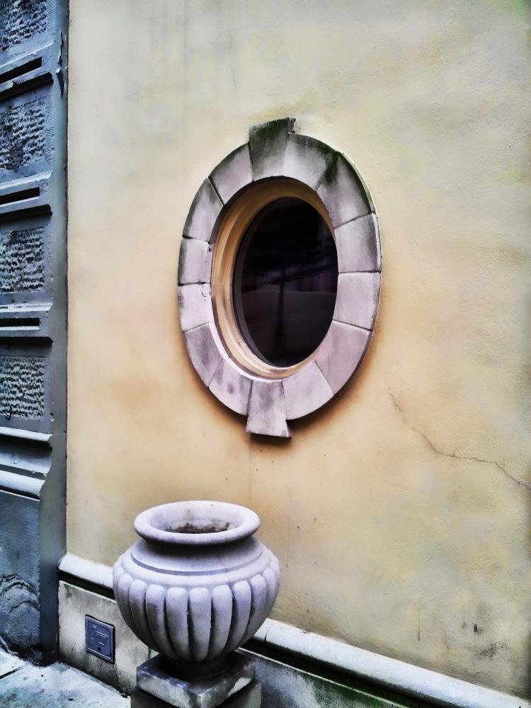 Porthole Window
